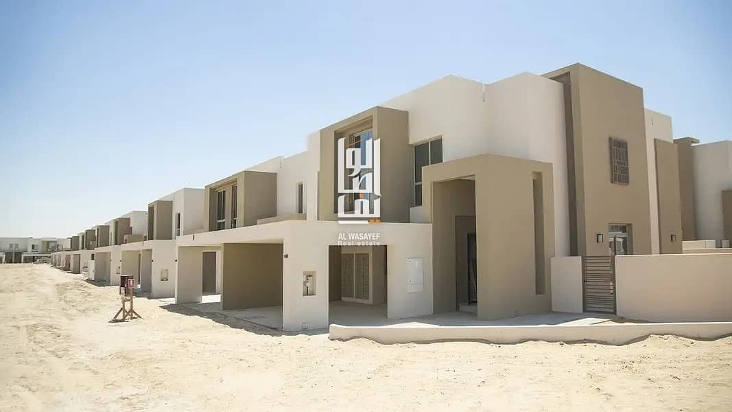 10 Get your villa in popular location - Get Exclusive  Offer