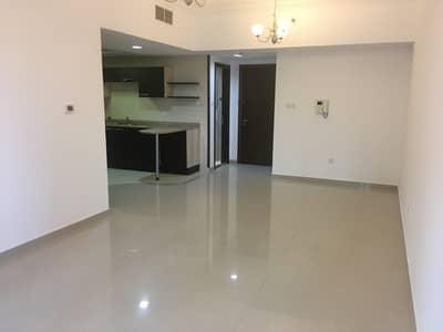 1 Bedroom Flat for Sale in Business Bay, Dubai - Living Room