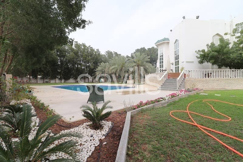 2 Al Tala'a spacious villa with garden and private pool
