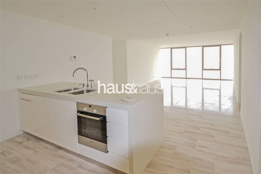 2 800 sq.ft | Great views | 3 Bed plus Maids