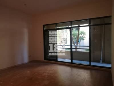 3 Bedroom Flat for Rent in The Greens, Dubai - Spacious | Well Maintained | Laundry Room