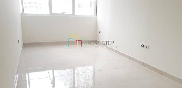 شقة 1 غرفة نوم للايجار في منطقة النادي السياحي، أبوظبي - Unique & New 1 Master Bedroom in 4 Cheques
