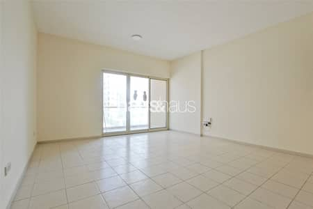 1 Bedroom Flat for Rent in The Greens, Dubai - Move In Now | Well Maintained | Flexible Furniture