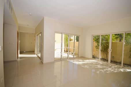 4 Bedroom Townhouse for Sale in Al Raha Gardens, Abu Dhabi - Perfect home| Luxurious living w/ great layout + private garden