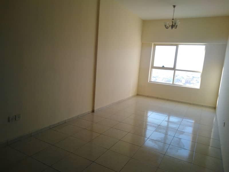 شقة في مدينة الإمارات 1 غرف 16000 درهم - 4473254