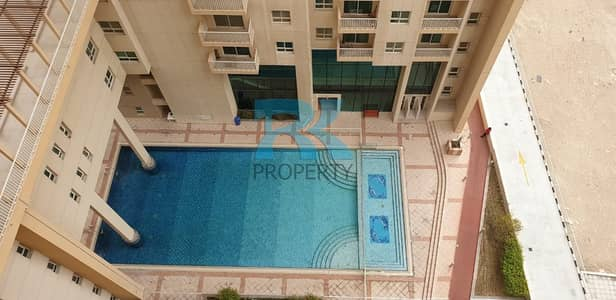 VACANT  WITH POOL VIEW 1BR+LAUNDRY+2 FULL BATH