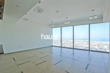 2 Bedroom Flat for Rent in Downtown Dubai, Dubai - Large Rooms Chiller and Maintenance Free Available