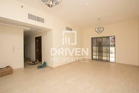 فلیٹ 2 غرفة نوم للبيع في الفرجان، دبي - Exclusive & Huge Apt with Great Amenities