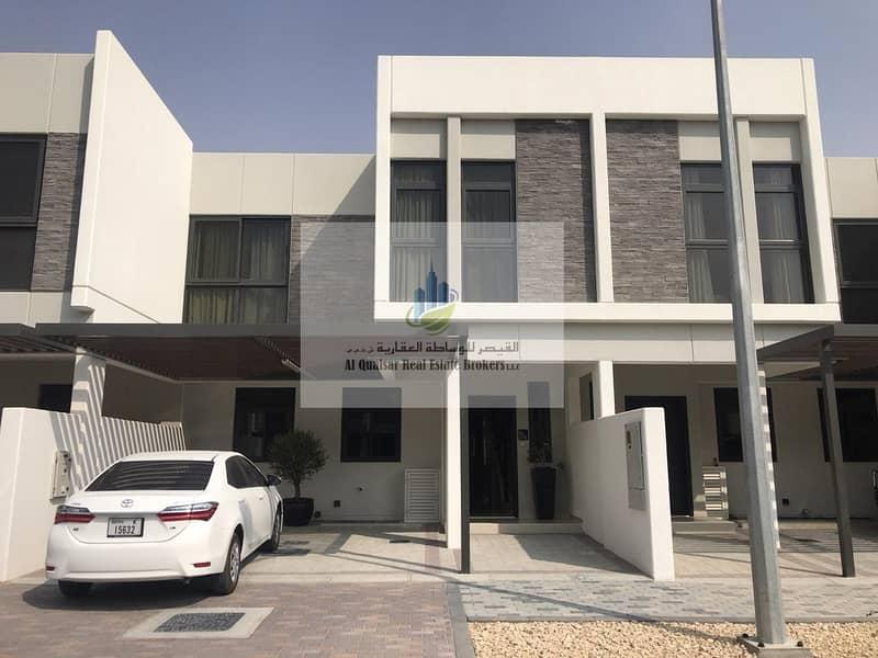 Offer for villas in Dubai Land installment 4 years.