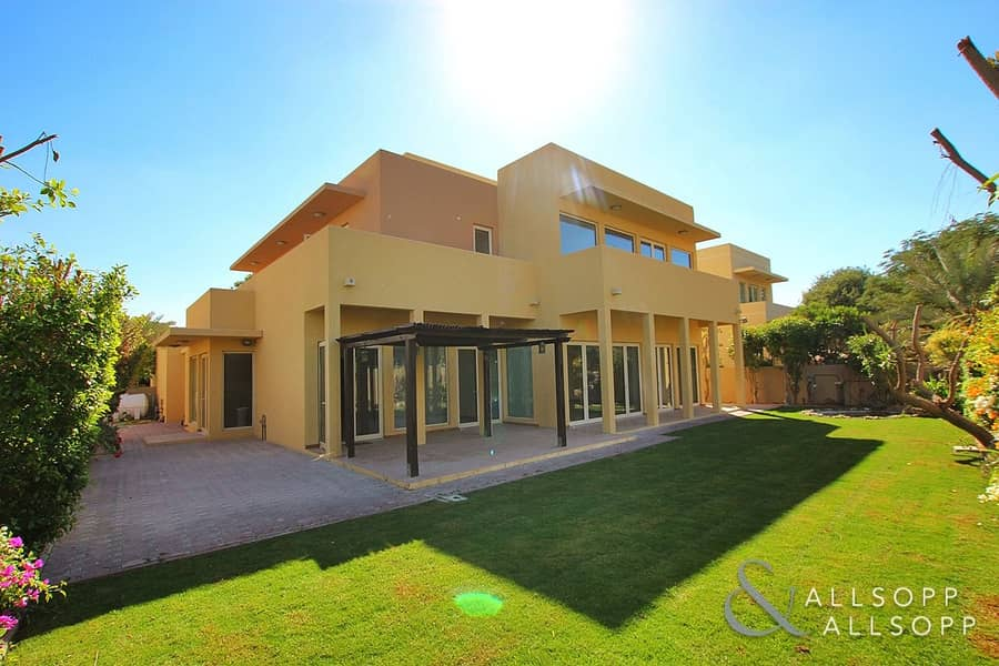 Saheel    5 Bedrooms   Centrally Located