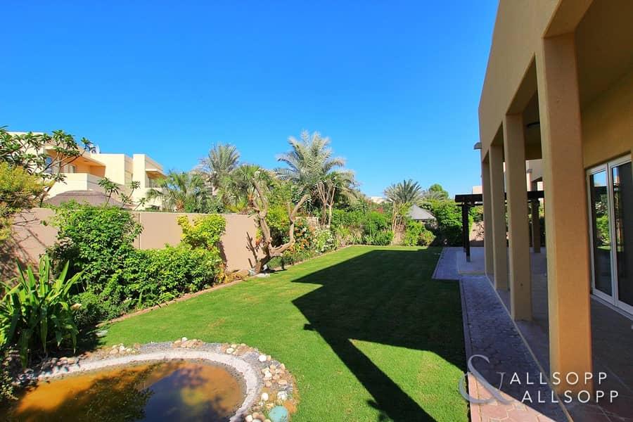 2 Saheel    5 Bedrooms   Centrally Located