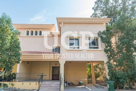Semi Detached 3BR Duplex villa with Private Parking