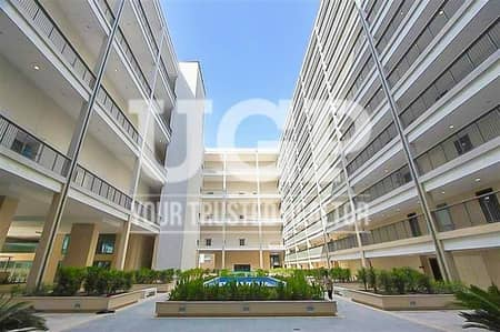 1 Bedroom Apartment for Sale in Al Raha Beach, Abu Dhabi - Vacant Big Layout 1BR Apartment with Storage Room!
