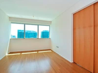 1 Bedroom Apartment for Rent in Al Raha Beach, Abu Dhabi - Prestigious Apartment I High Floor with Canal View!