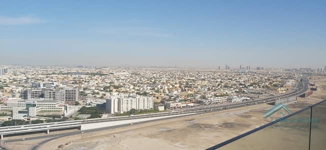 1 Bedroom Apartment for Rent in Barsha Heights (Tecom), Dubai - LARGE 1 B/R DUPLEX IN TWO TOWERS W/T BURJ AL ARAB!