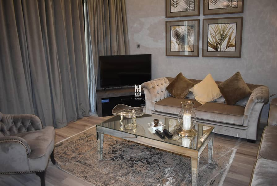 ready villa with full furnished ..directly from the owner ....