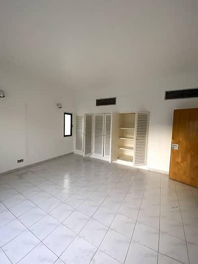 فیلا 5 غرف نوم للايجار في الفشت، الشارقة - فیلا في الفشت 5 غرف 90000 درهم - 4474481