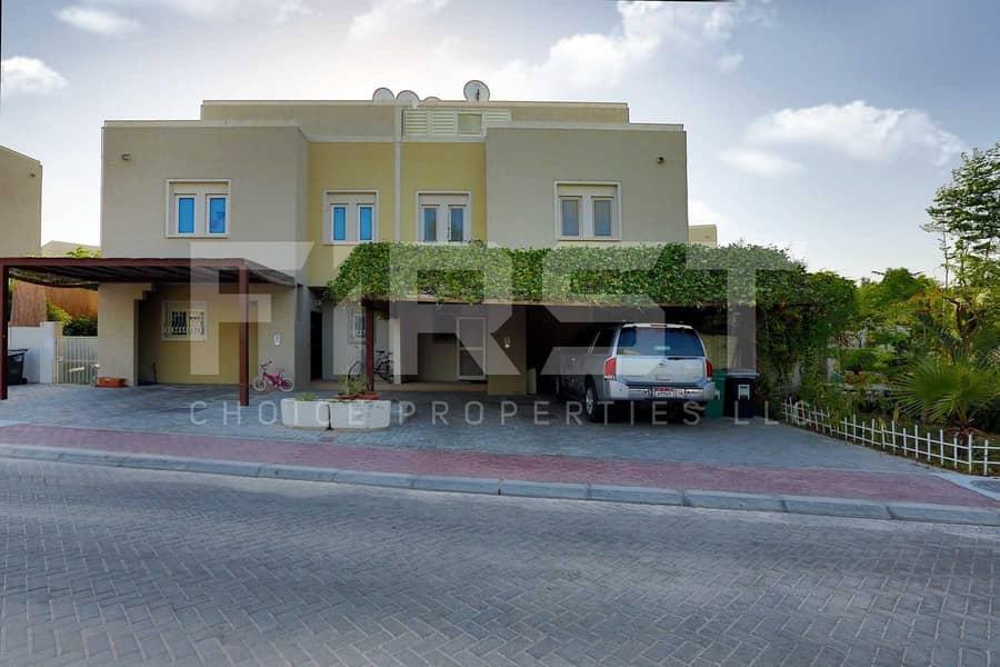 Single Row Homey Spacious Villa for Sale!!