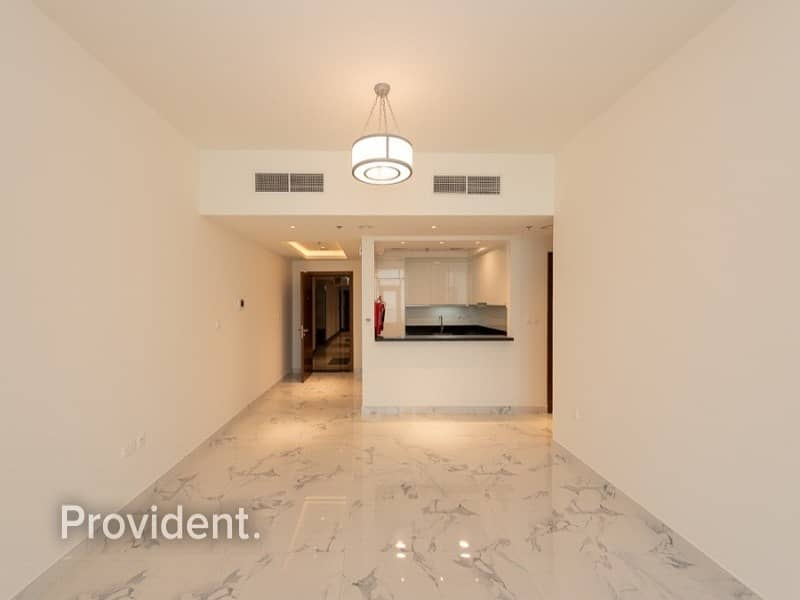 Extra Large | Corner Unit | 1 B/R with Canal View