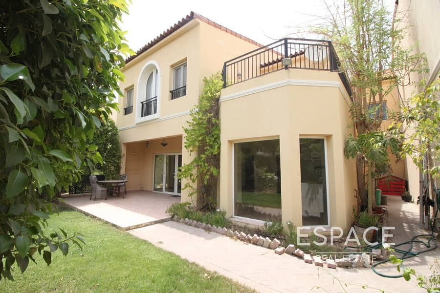 End Unit TH | Very Private | Great Street
