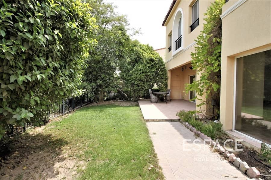 12 End Unit TH | Very Private | Great Street