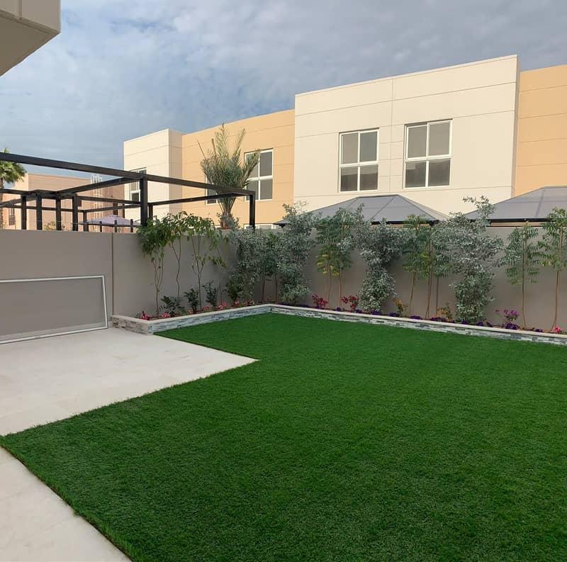 الزاهيه  تاون هاوس أربع غرف نوم جاهز للسكن بخصم 6 ٪ على جميع الفلل الزاهية المشرقة