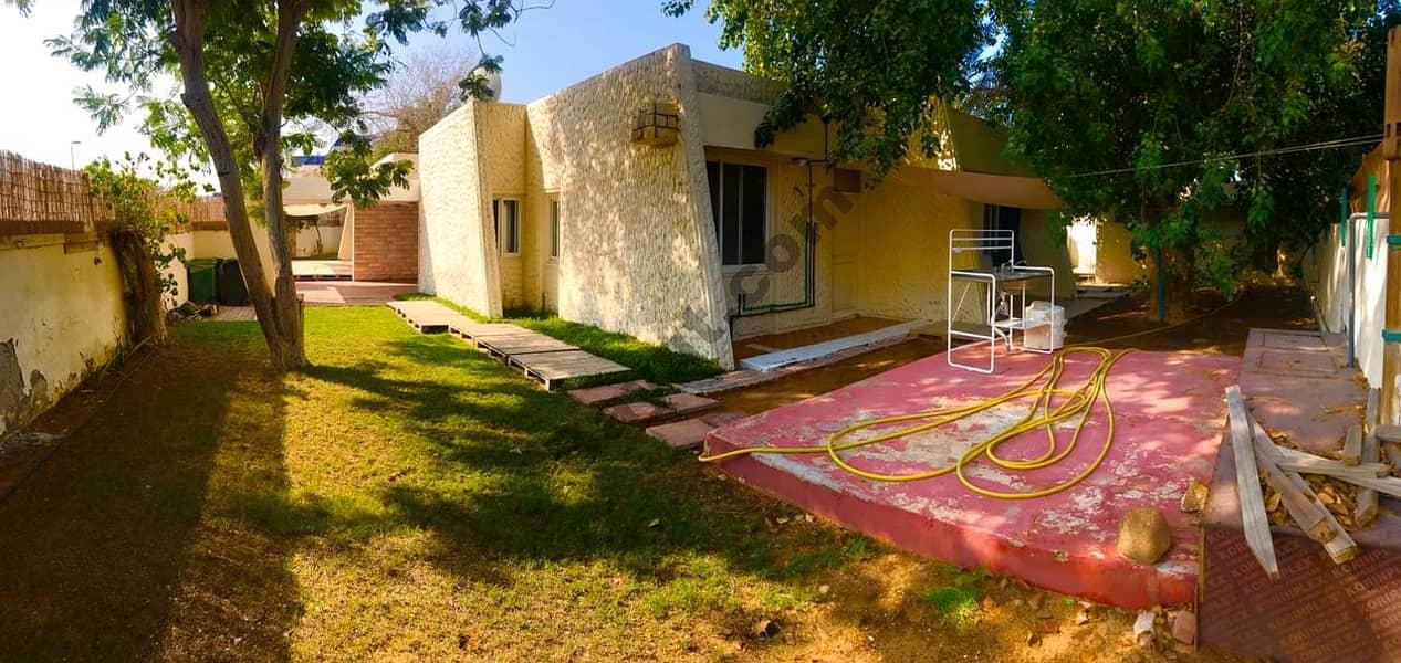 Nice 3 bedroom single story villa with pvt garden jumeirah 1
