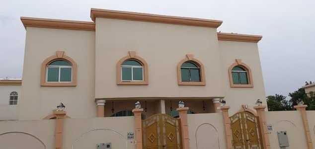 فیلا 5 غرف نوم للايجار في النخيلات، الشارقة - فيلا للايجار في اكثر المناطق حيوية في الشارقة