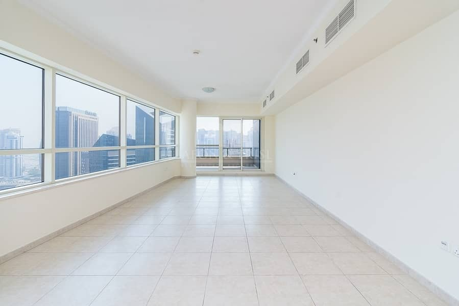 16 Prime location | Huge Balcony | Full Marina views