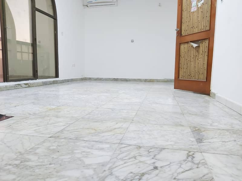 Monthly 1 Bedroom Hall with Tawtheeq in Tourist Club Area, Rent 3600 / Month
