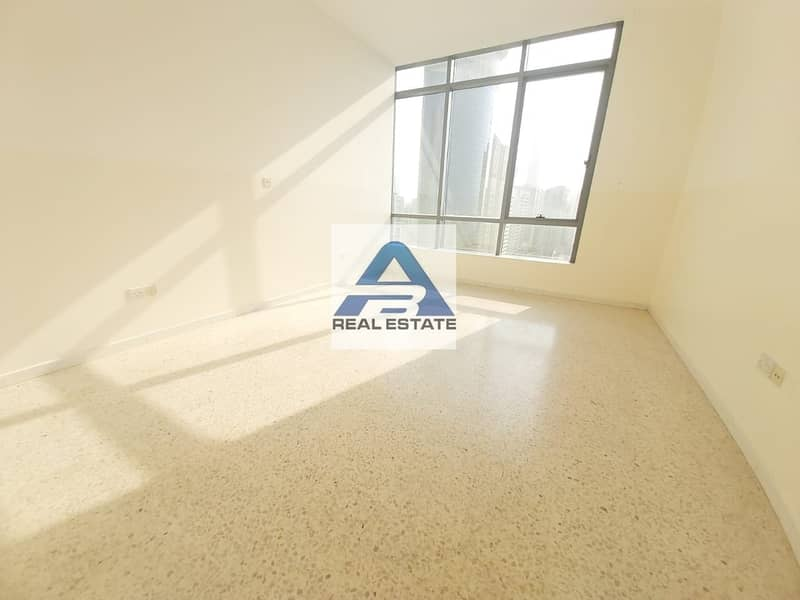 2 Large three bedrooms on corniche with parking near corniche hospital