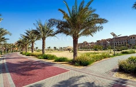 ارض سكنية  للبيع في قرية جميرا الدائرية، دبي - Design Approved I G+4 I Corner plot I District 10