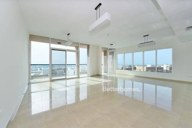 2 4 Bedrooms Apartment in  Al Marina