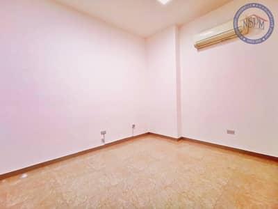 شقة 1 غرفة نوم للايجار في الزهراء، أبوظبي - Contemporary 1 B/R Apt
