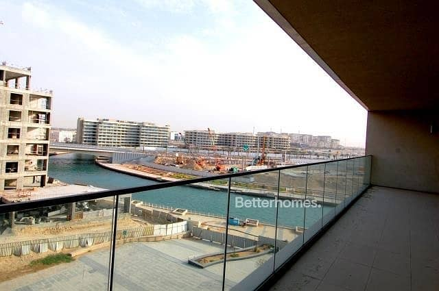 4 Bedrooms Apartment in  Al Raha Beach