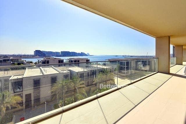 4 Bedrooms Penthouse in  Al Raha Beach