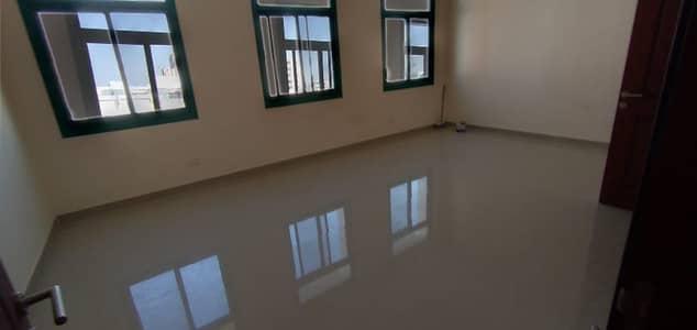 شقة 2 غرفة نوم للايجار في مصفح، أبوظبي - مذهلة غرفتي نوم بأسعار في متناول الجميع في شعبية 10 ، المصفح