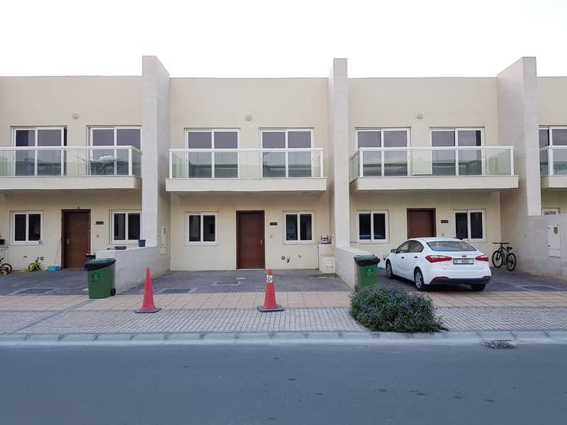 vacant warsan villa  - single row - close To Exit