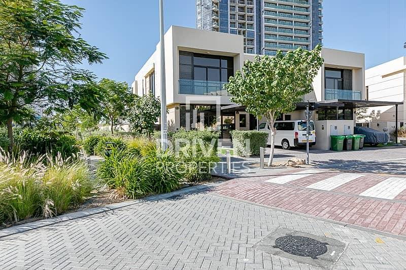 2 Type TH-D Bright Villa in Serene Location