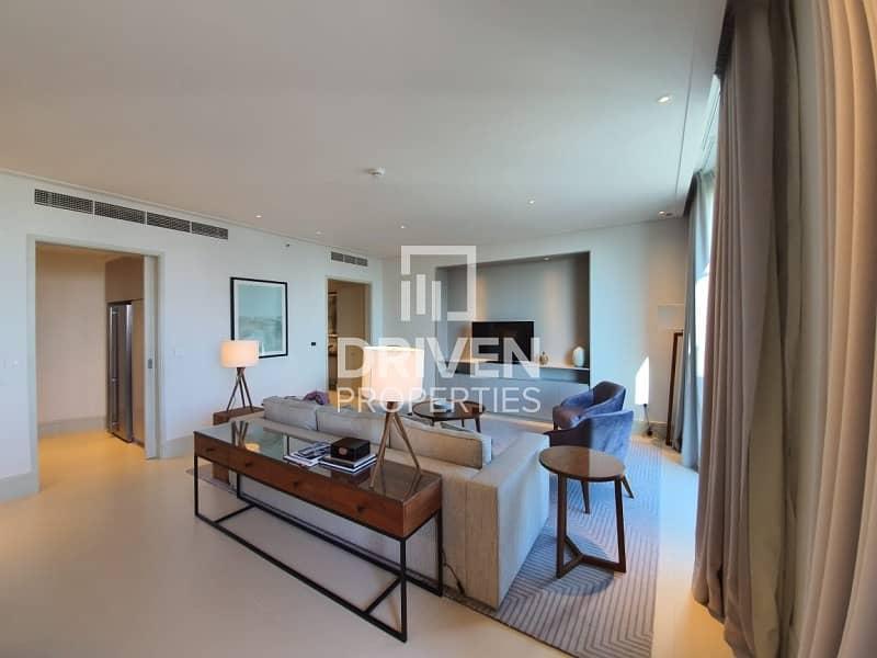2 Stunning Unit on High Floor |Great Views
