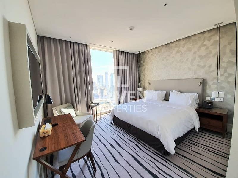 13 Stunning Unit on High Floor |Great Views