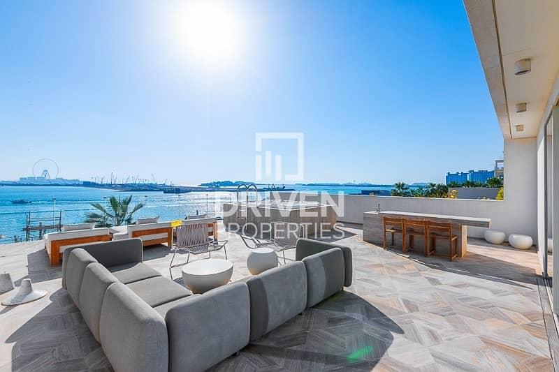 2 Upgraded Luxurious Villa | Beachfront Living