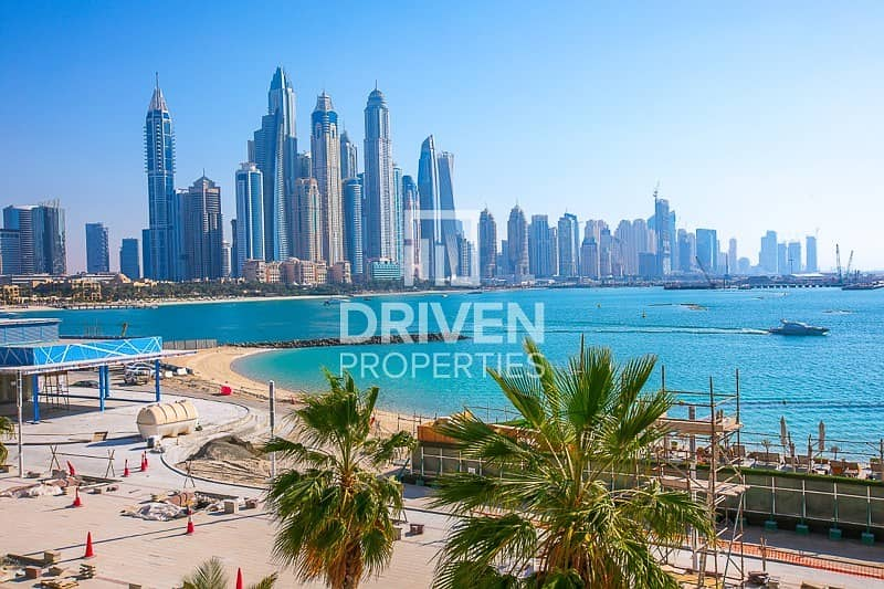 20 Upgraded Luxurious Villa | Beachfront Living