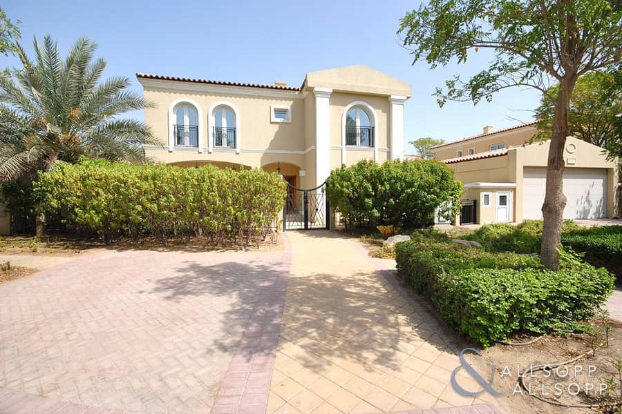 5 Bed Family Villa | Close To Pool & Gate