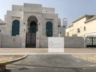 7 Bedroom Villa for Rent in Al Bateen, Abu Dhabi - admirable Villa with huge private parking