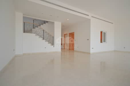 5 Bedroom Villa for Rent in Palm Jumeirah, Dubai - Burj Al Arab view