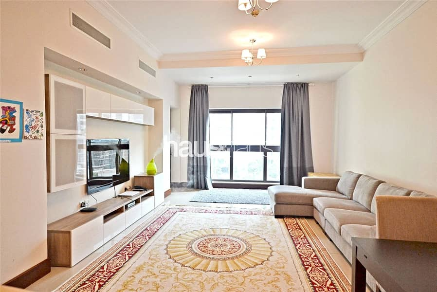 2 Stunning Large Apartment | Close to the Beach