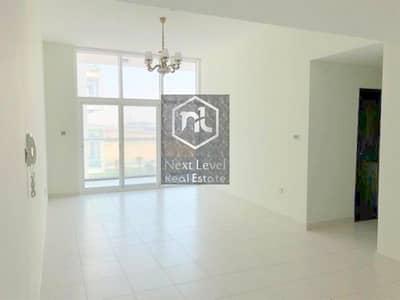 3 Bedroom Apartment for Sale in Dubai Studio City, Dubai - VACANT CORNER 3 BED ROOM WITH BALCONY AND PARKING IN GLITZ 3-STUDIO CITY