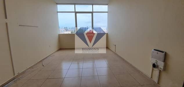 فلیٹ 2 غرفة نوم للايجار في آل نهيان، أبوظبي - Offer! 4 Cheques! Low Price! 2 Bed Apt in Nahyan