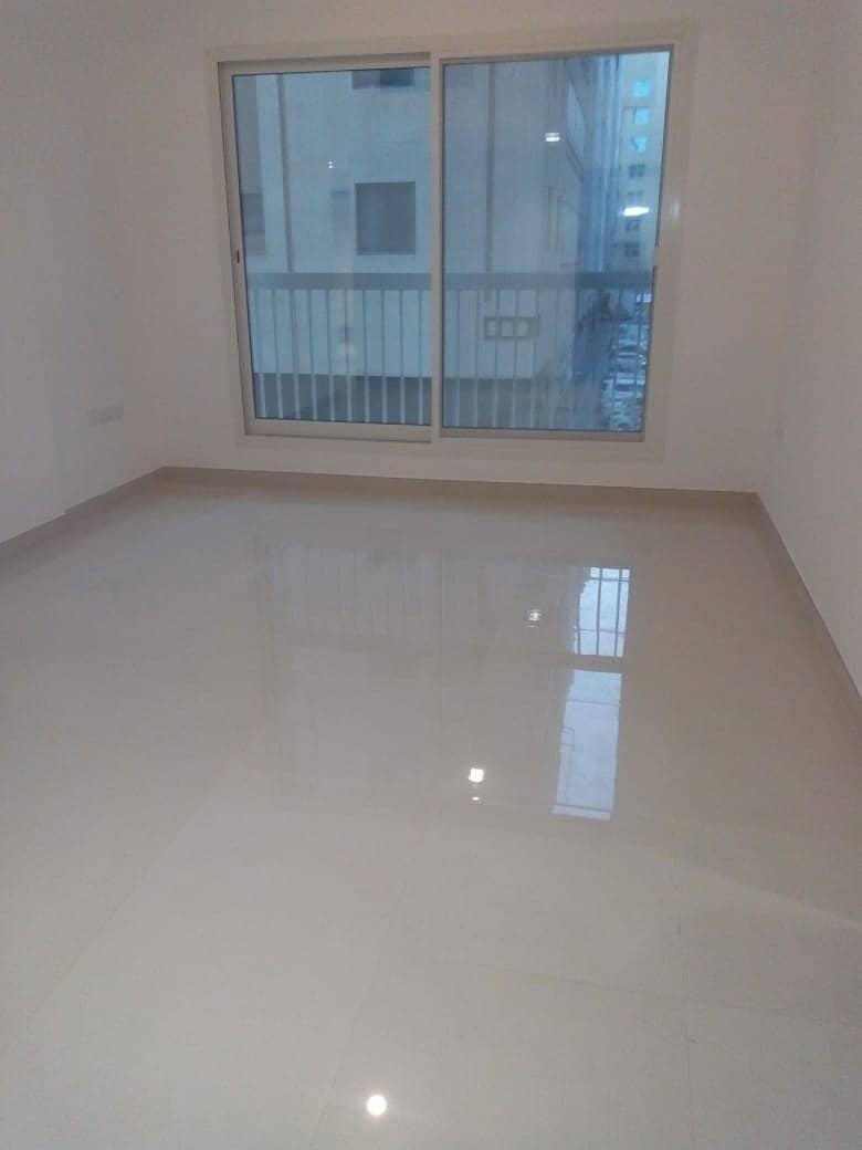 شقة في شعبية مصفح 1 غرف 40000 درهم - 4437667